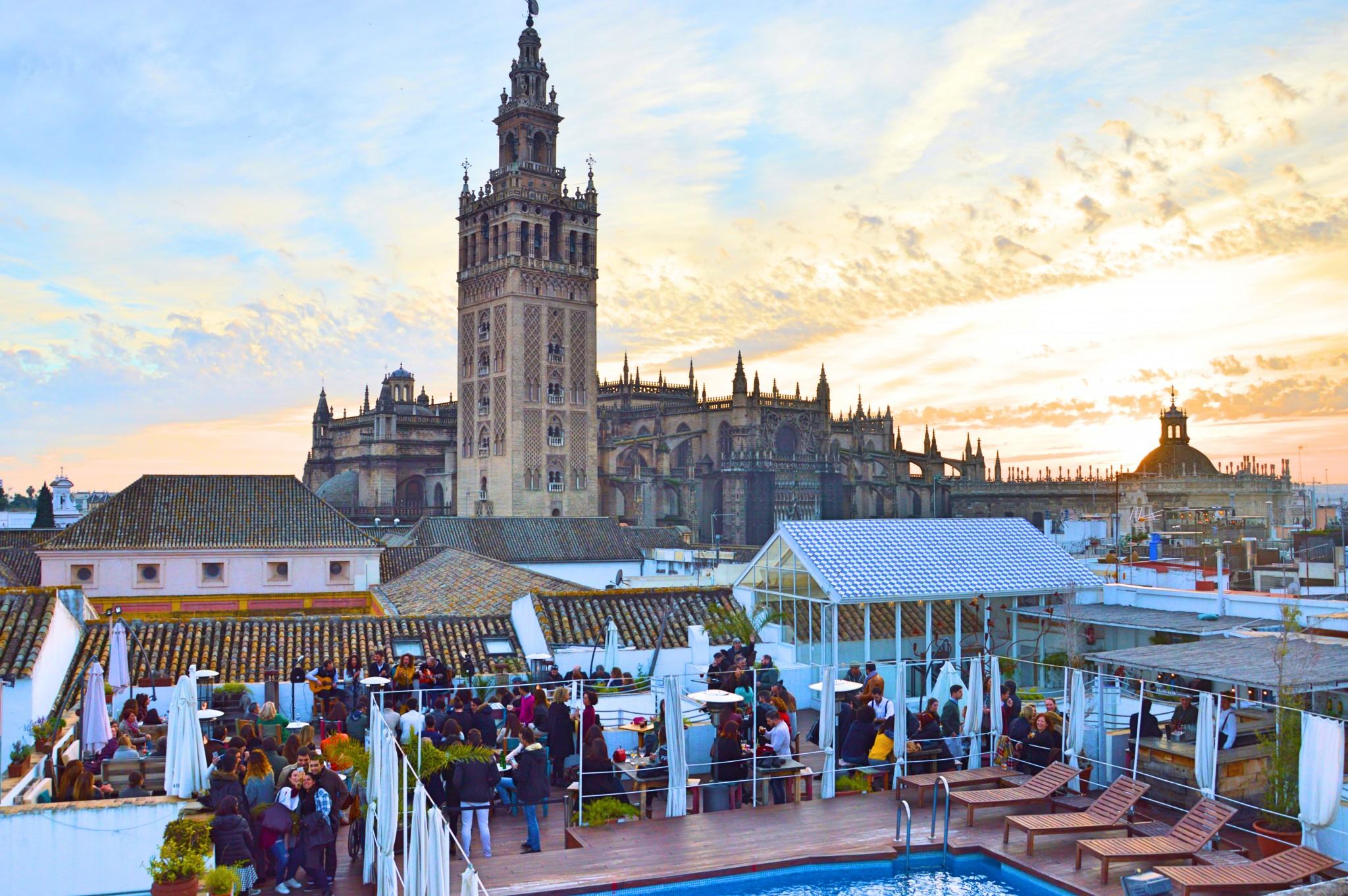 Hotel de lujo en sevilla fontecruz sevilla seises web for Piscina ciudad jardin sevilla